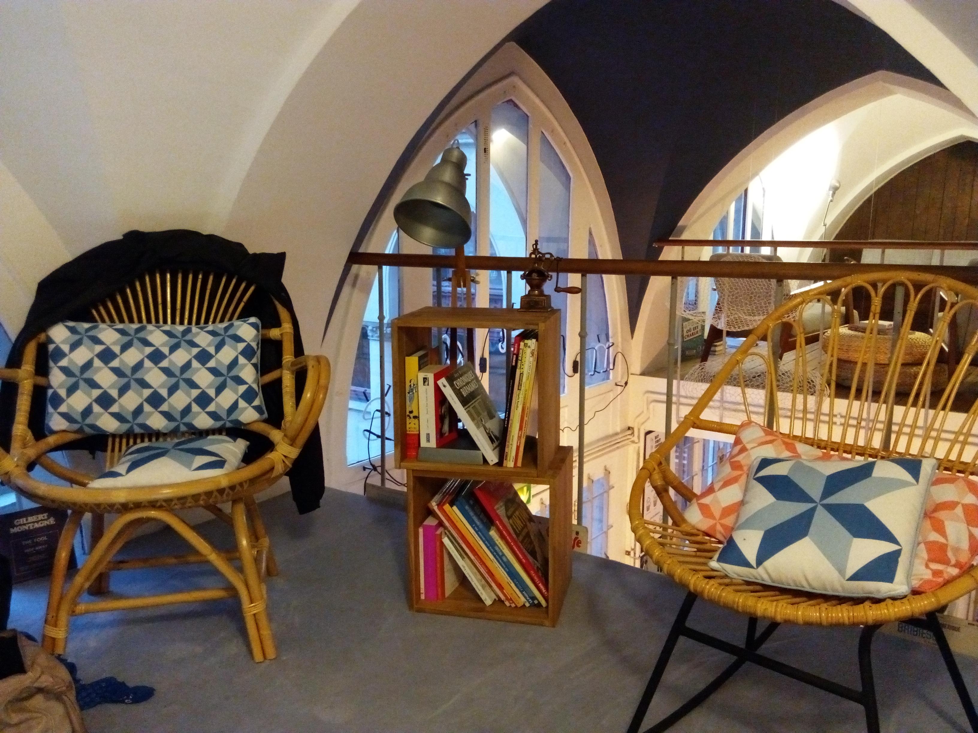 nuage caf paris. Black Bedroom Furniture Sets. Home Design Ideas